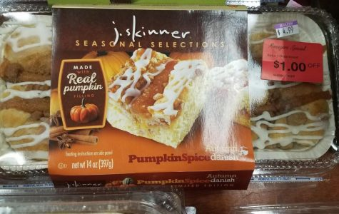 Pumpkin Spice danishes can be bought at the Verrado Bashas in Buckeye, Arizona for only $4.99. Picture taken by Dana Lapp on October 19, 2017.
