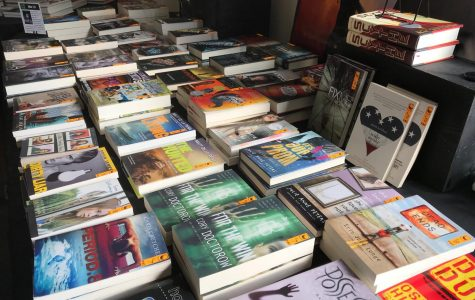 Numerous books from various genres at discounted prices fill Verrado's first book fair that will run through Tuesday January 23 to Thursday January 25. The library put together the book fair to inspire students to read by encouraging students to find the right book. Photo credit to Krysyan Edler.